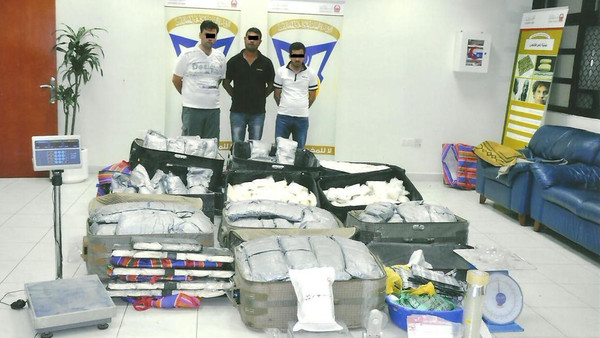 دبي تقبض على عصابة لتهريب المخدرات من جنسيات عربية