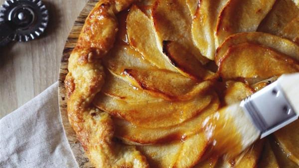 طريقة عمل فطيرة التفاح 2020-07-26