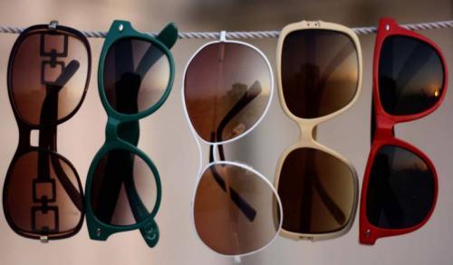 لهذه الأسباب النظارة الشمسية ضرورية جداً!