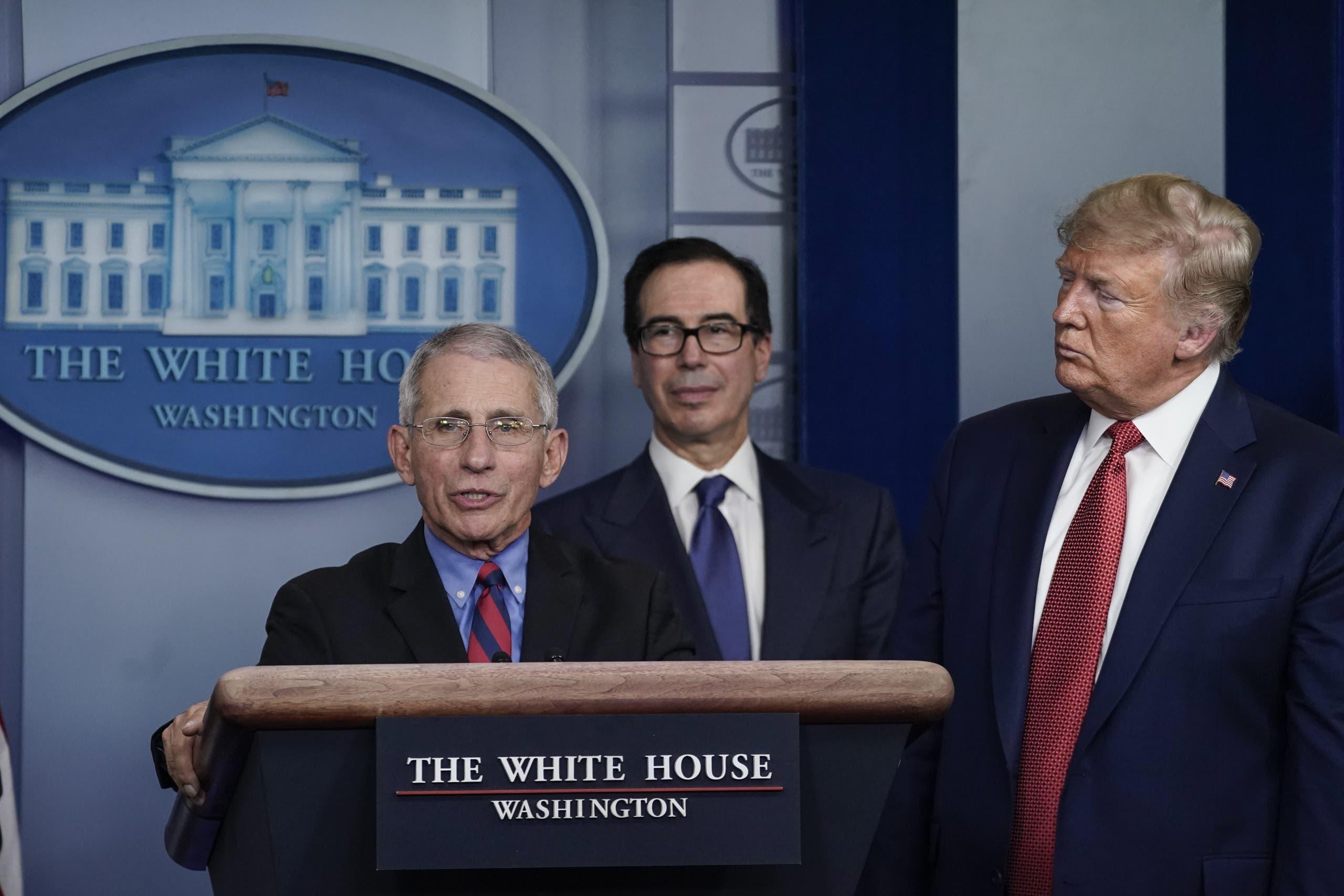 كورونا يحل على البيت الأبيض  ..  أشهر خبراء أمريكا بالحجر  ..  تفاصيل