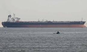 السلطات الأمريكية تطلق تحذيرا للسفن التي تعبر مضيق هرمز