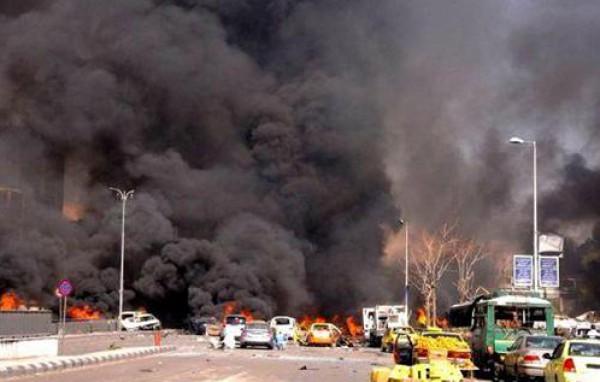 32 قتيلا بينهم أطفال في غارات للنظام السوري قرب دمشق