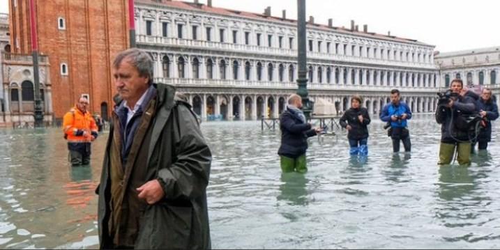 بالصور ..  البندقية الإيطالية في أسوأ حالاتها