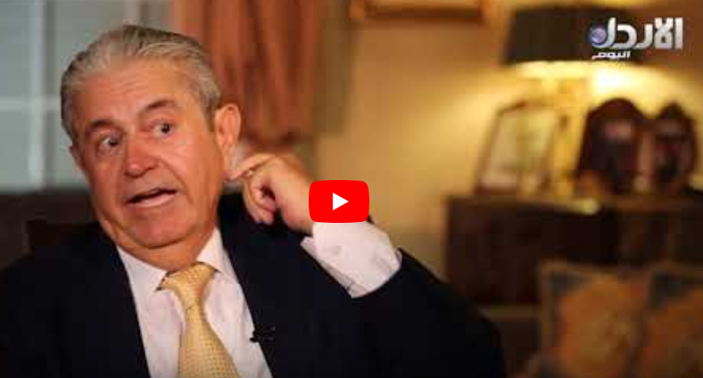 بالفيديو  ..  الوزير الاسبق كامل محادين يروي حكايته