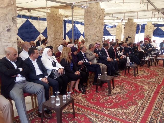 تكريم جامعة الشرق الأوسط في حفل اطلاق دمعة يوحنا على خد مكاور