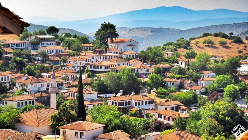 بالصور .. رحلة إلى قرية سيرينس توسكانا التركية