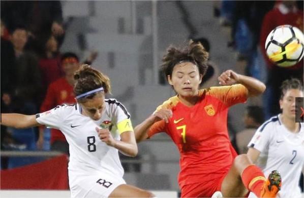 منتخب الكرة النسوي يخسر أمام الصين بالثمانية