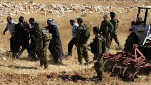 الاحتلال يستولي على جرار زراعي وسيارة شرق طوباس