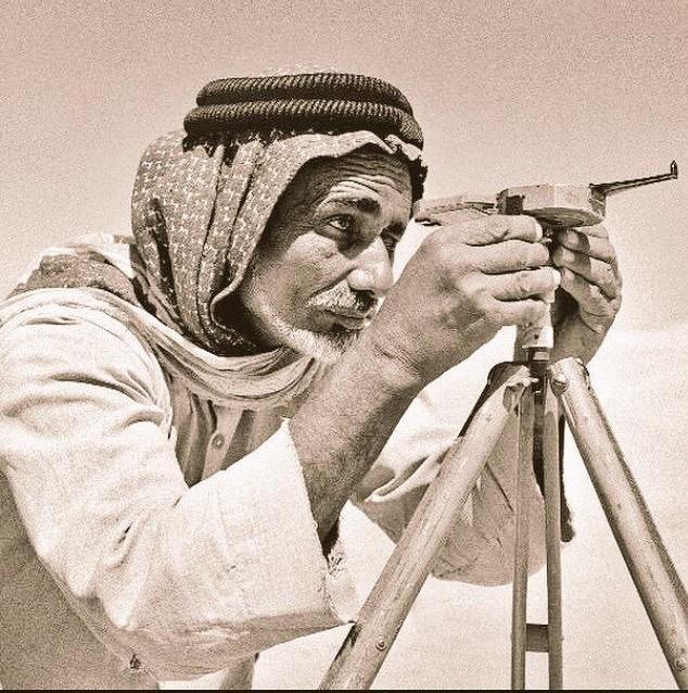 """قصة البدوي الذي اكتشف بـ""""حاسة سادسة"""" أبار النفط في السعودية و غير مجرى التاريخ  ..  صور"""