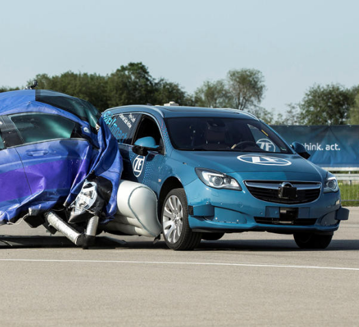 بالفيديو ..  شاهد كيف تعمل وسادة الهواء الخارجية القادمة للسيارات
