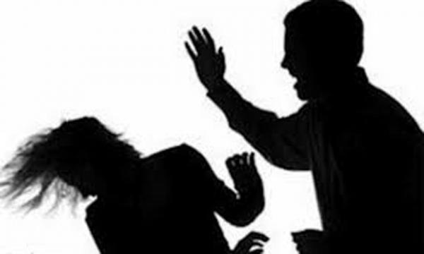 القبض على إيراني قتل زوجته وحاول الهروب بابنتهما عبر المطار