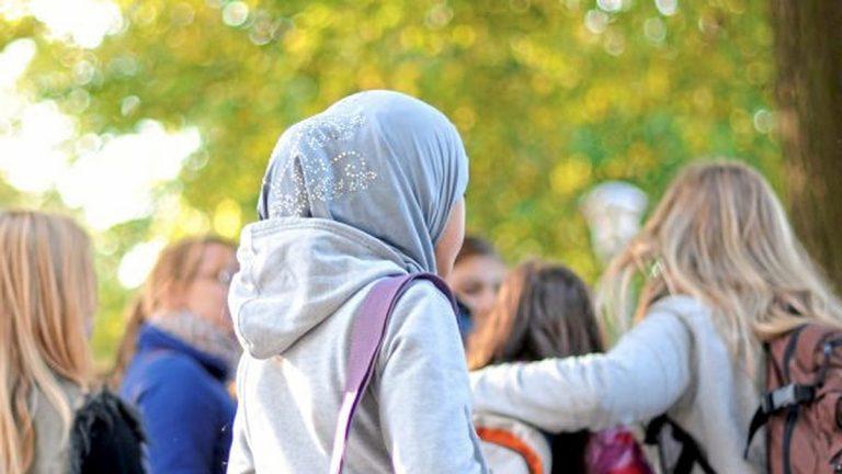 النمسا تحظر ارتداء الحجاب في المدارس الابتدائية