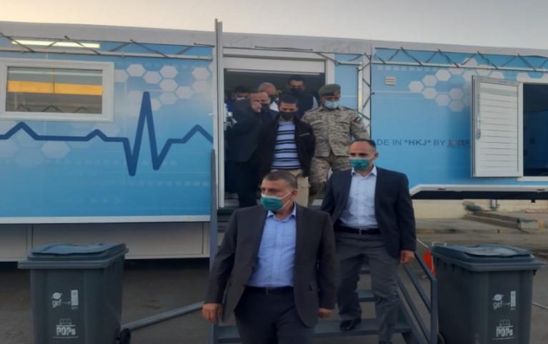 """وزير الصحة المُكلف """"مازن الفراية"""" يوعز بمخالفة """"طبيب"""" غير مرتدي للكمامة وفقاً لأوامر الدفاع"""
