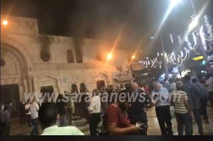 بالفيديو والصور  .. حريق كبير داخل المسجد الحسيني بعمان