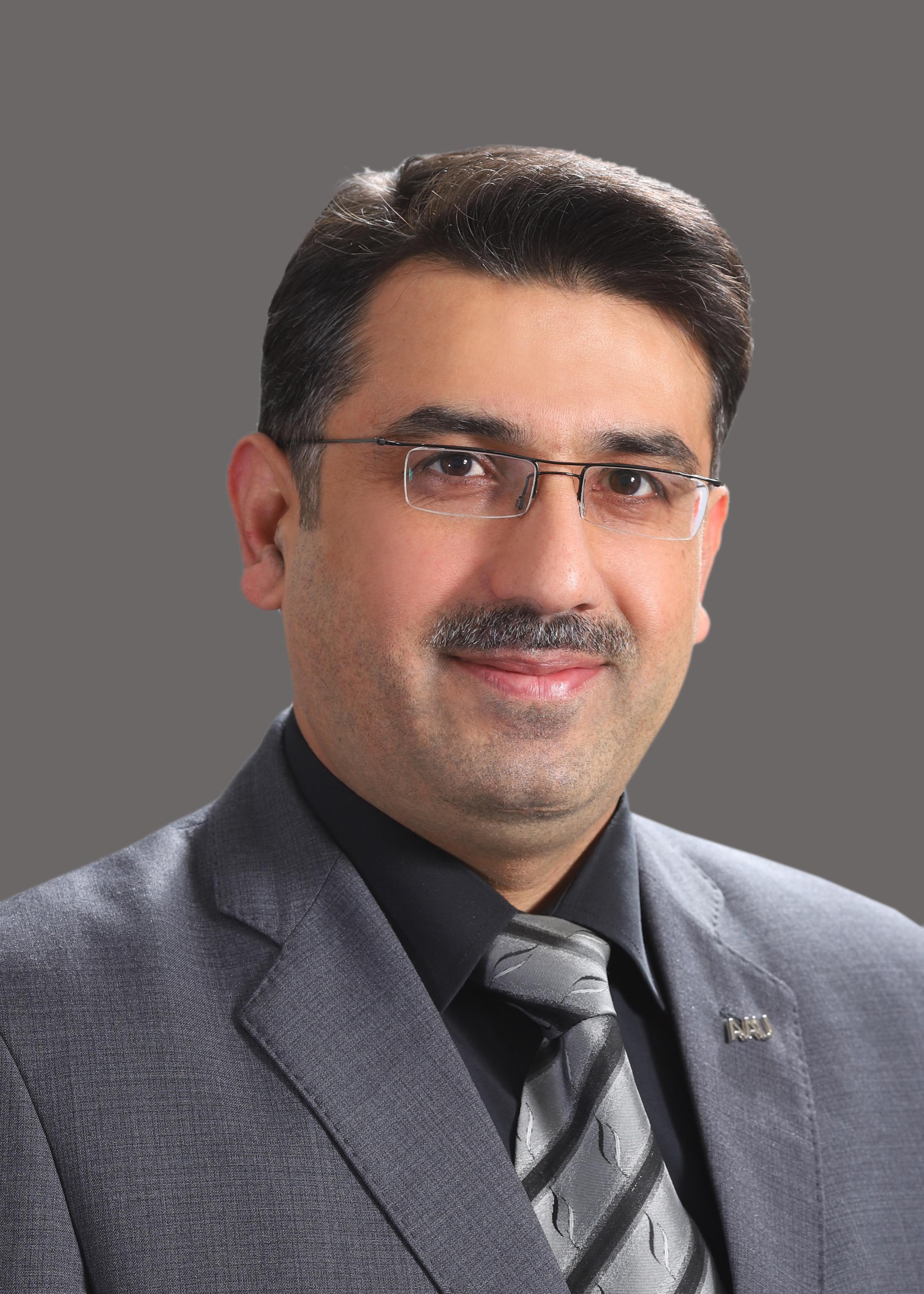 """استشاري العلوم الحاسوبية في """"عمان العربية"""" يضع خطط تأهيل الطلبة وتجويد عملية التعليم"""
