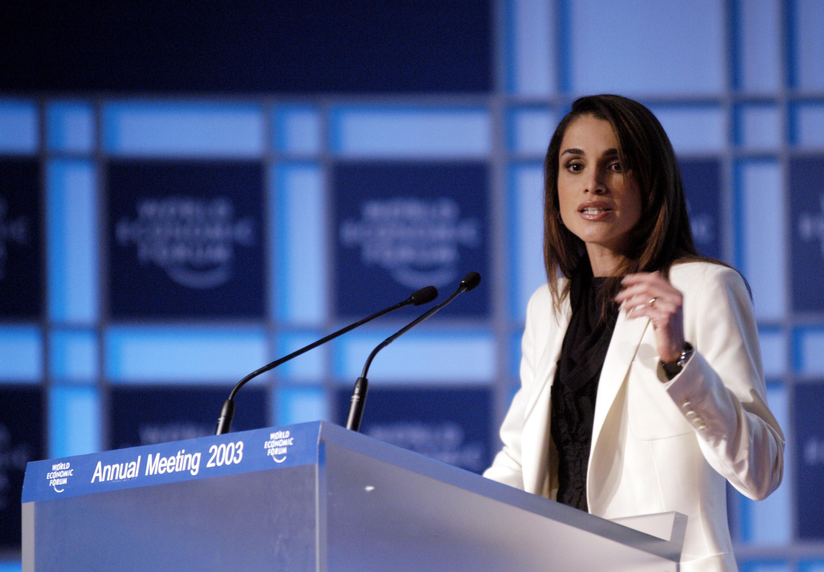 الملكة رانيا: شبابنا سيحققون السلام
