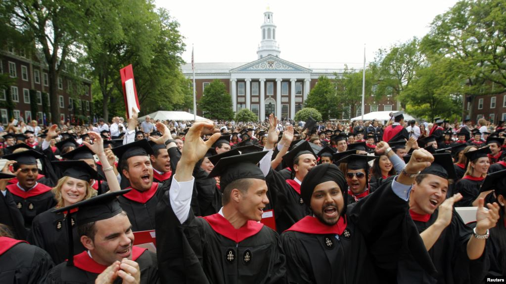 لتصبح مليارديرا ..  الخطوة الأولى تبدأ من هذه الجامعات