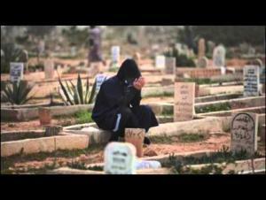 وفاة شاب حزناً على والدته أثناء تشييعها