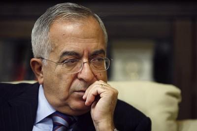 فياض يدرس تقديم استقالة حكومته للرئيس عباس