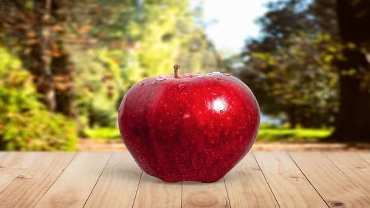 هذا ما يحدث لجسمك عند تناول تفاحة واحدة يوميا