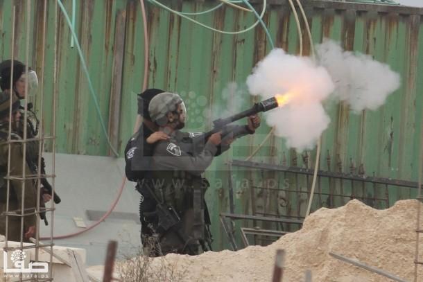 بالصور : إصابة بالرصاص الحي و56 بالمطاط بمواجهات شمال القدس