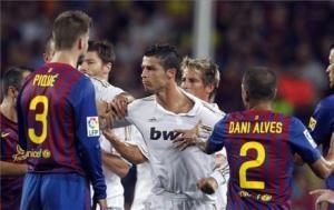 برشلونة يشتكي رسمياً على لاعبين سابقين في  ريال مدريد