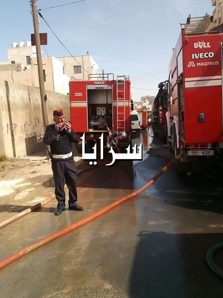 بالصور  ..  الدفاع المدني يتعامل مع حريق ضخم بشارع الاذاعة بالعاصمة عمان