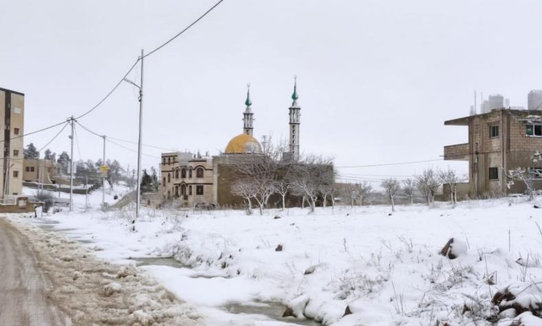 طقس العرب ينشر آخر مستجدات المنخفض الجوي و أماكن تساقط الثلوج  ..  صور