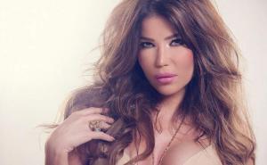 فنانة لبنانية تصدم الجميع بصورتها من دون مكياج ..  لن تتوقعوا الفرق