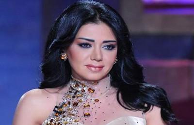 رانيا يوسف تحصل على حكم نفقة بـ 15 ألف جنية لإبنتيها من المنتج محمد مختار