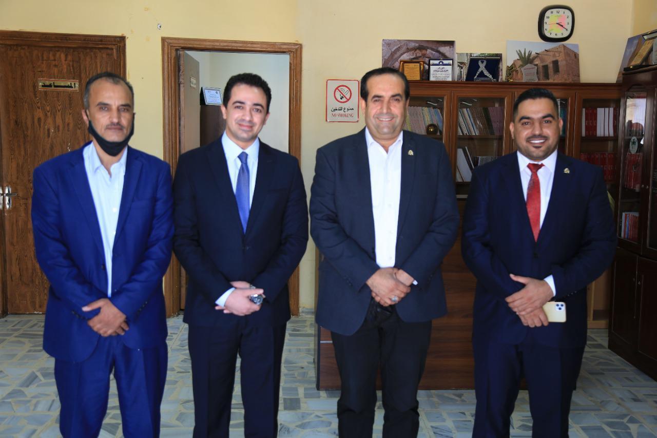 محافظ المفرق يرعى احتفالية هئية شباب كلنا الأردن في المفرق بتكريم أوائل التوجيهي في المحافظة