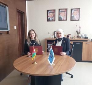 اتفاقية تعاون تدريبي بين جامعة عمان الأهلية ومؤسسة منى بدح للاستشارات