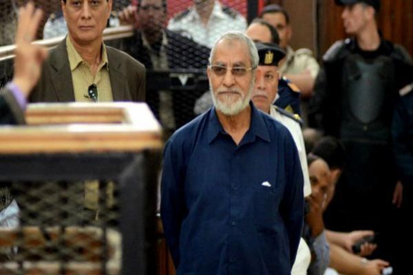 مصر:المؤبد لمرشد الإخوان و4 من قيادات الجماعة