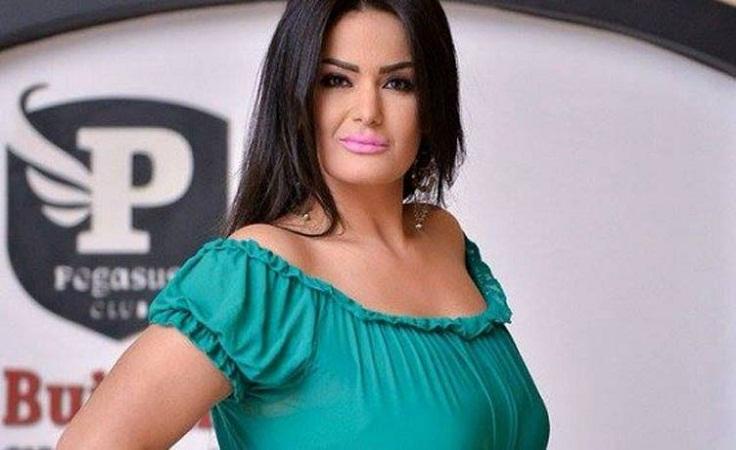 """بعد وفاة والدها ..  سما المصري تعزي شيرين وتصفها بـ """"الطائشة"""""""