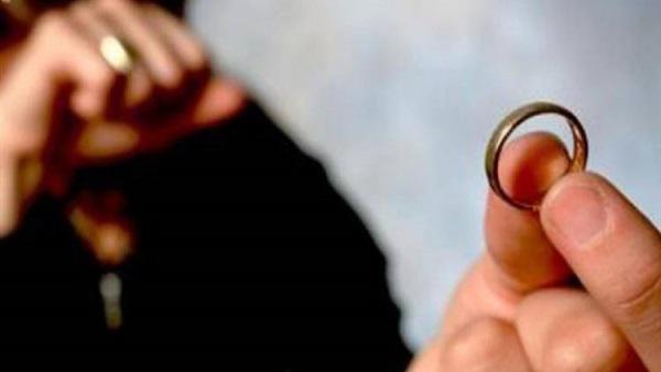 """عمان : الثلاثينية """"نورا"""" تروي سبب خلعها لزوجها  ..  صدمني بقوله : """"انتى خاينة"""" و جعل سيرتى على كل لسان"""