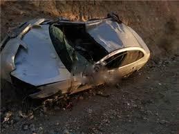 (3) إصابات أثر تدهور مركبة على طريق اربد_  عمان