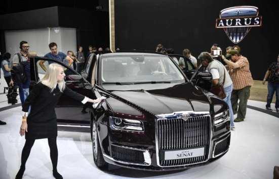 روسيا تكشف عن سيارة فاخرة جديدة