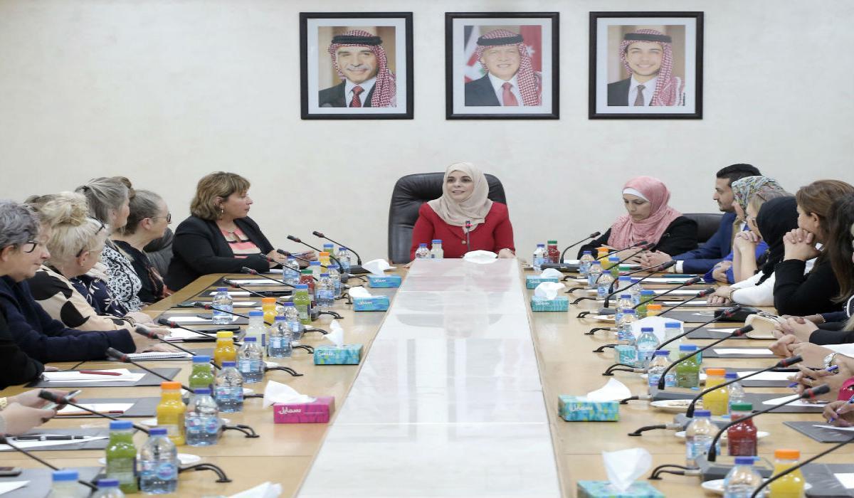 أبو دلبوح: للمرأة خطوات كبيرة بمختلف المجالات