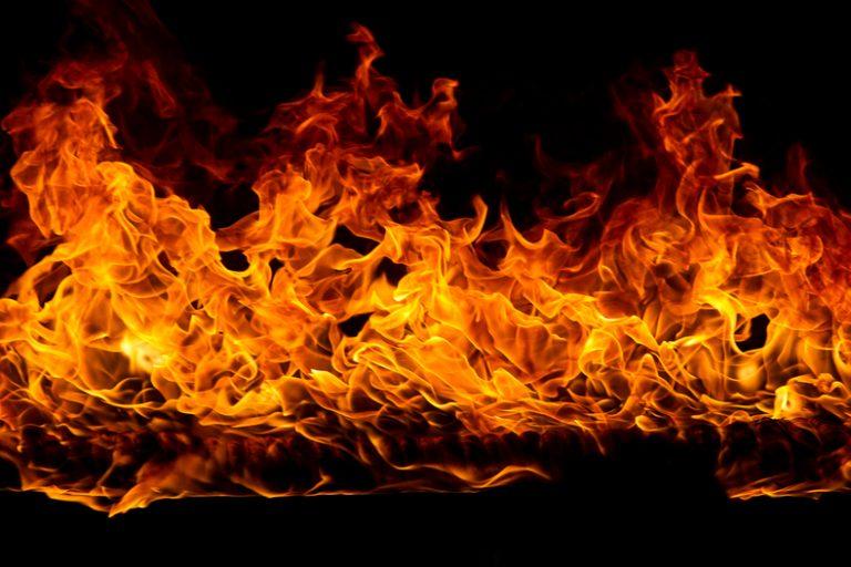 """معاني و تفسير """" رؤية حلم حريق في البيت"""