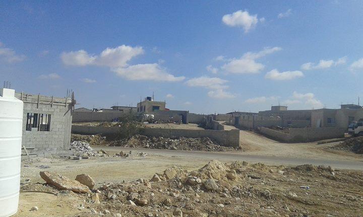 ارض للبيع على طريق الاوتوستراد - ابو صياح