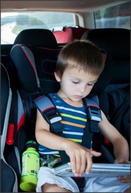 توجيهات هامة لاختيار مقعد الطفل بالسيارة