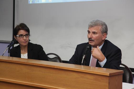 الدكتور بريزات يحاضر في جامعة البترا