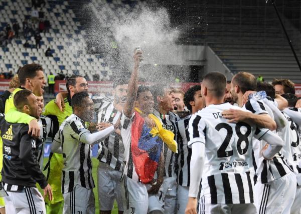 بالفيديو والصور  ..  يوفنتوس يفوز على أتالانتا ويتوج بكأس إيطاليا لكرة القدم