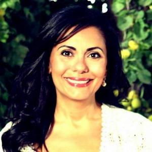 """سوزان عفانة """"سيدة نحتت بالصخر"""" و اسم علم غني عن التعريف"""