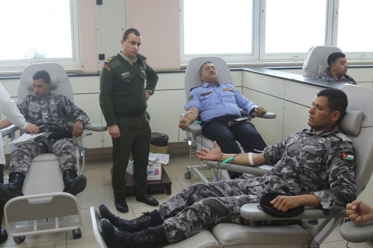 بالصور  ..  الملك يوعز لمدير الأمن العام بتلبية نداء عائلة لتأمين وحدات دم لزراعة كبد