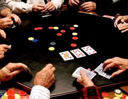 """عجلون : اعتقال 7 اشخاص في مداهمة امنية لـ"""" اوكار مشبوهة """"  للعب القمار"""
