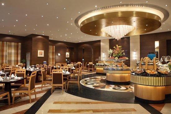 مطلوب موظفين برواتب مجزية للعمل في كبرى المطاعم العالميه بالسعودية