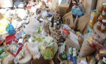 اتلاف 3 طن مواد غذائية  غير صالحة للاستهلاك البشري في مادبا
