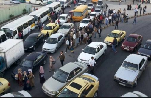 عمان : شاب يثير الجدل بخروجه بـ