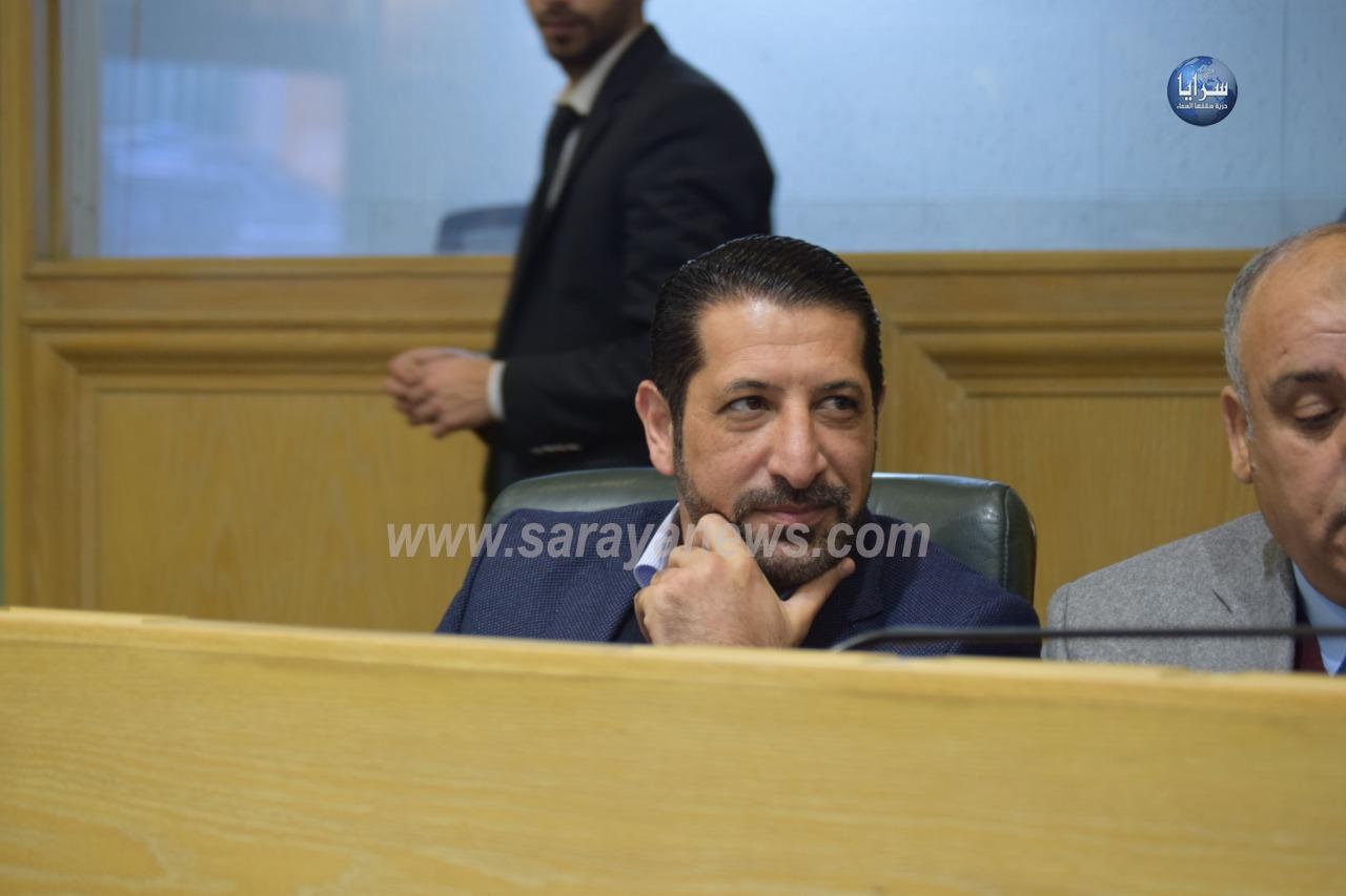 بالصور  ..  بعد الهجوم الواسع والانتقادات  ..  النائب القضاة في جلسة النواب التشريعية اليوم